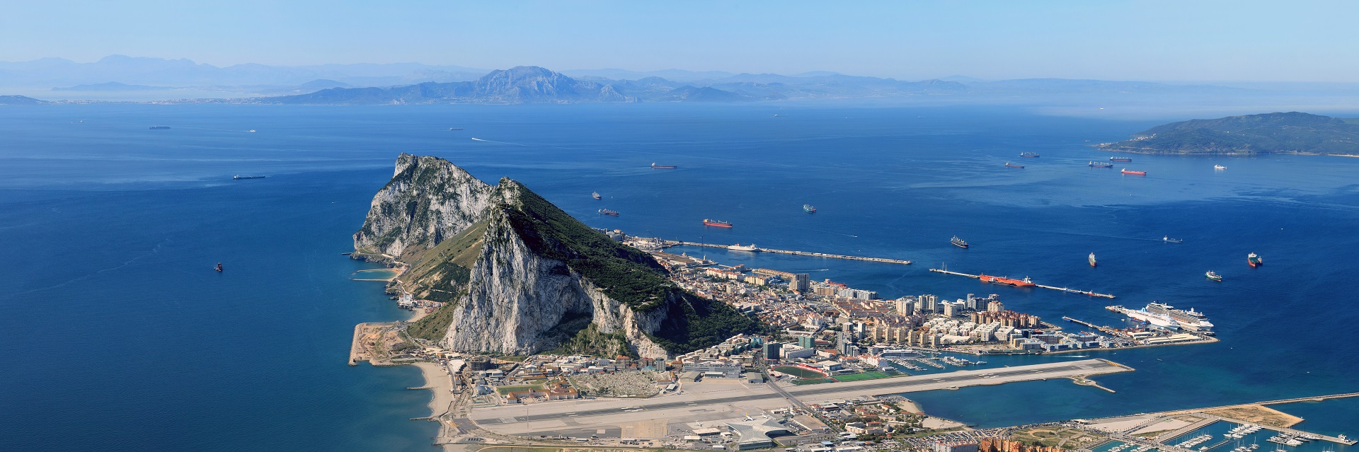 Helicopter flights and tours from Gibraltar - Charter and cargo